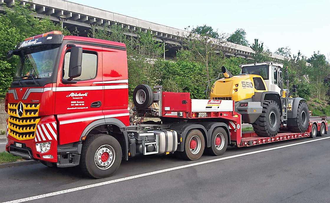 https://www.abaecherli-transport.ch/wp-content/uploads/2020/02/Maschinentransporte_3_web.jpg